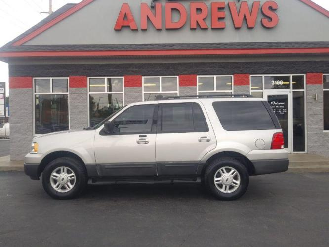 2006 SILVER FORD EXPEDITION XLT (1FMFU16556L) with an 5.4L engine, Automatic transmission, located at 3100 Covert Avenue, Evansville, IN, 47714, (812) 473-4492, 37.955418, -87.512238 - Photo #0