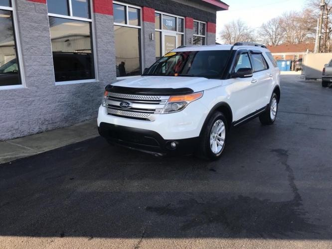 2014 WHITE FORD EXPLORER XLT (1FM5K8D80EG) with an 3.5L engine, Automatic transmission, located at 3100 Covert Avenue, Evansville, IN, 47714, (812) 473-4492, 37.955418, -87.512238 - Photo #0