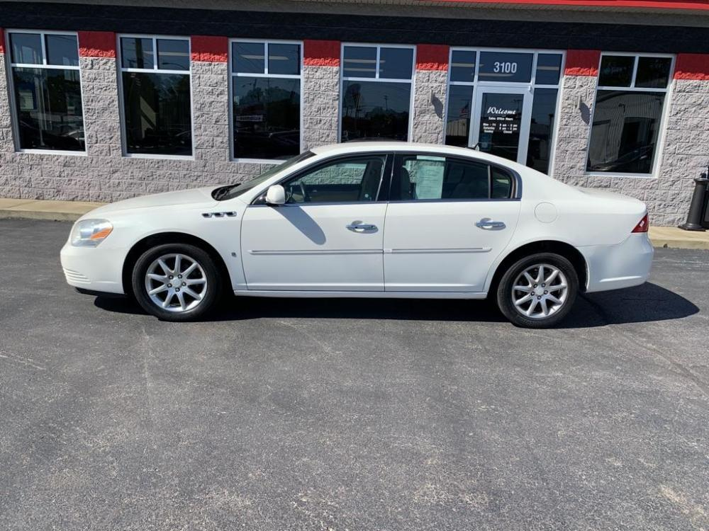 2008 WHITE BUICK LUCERNE CXL (1G4HD572X8U) with an 3.8L engine, Automatic transmission, located at 3100 Covert Avenue, Evansville, IN, 47714, (812) 473-4492, 37.955418, -87.512238 - Photo #0